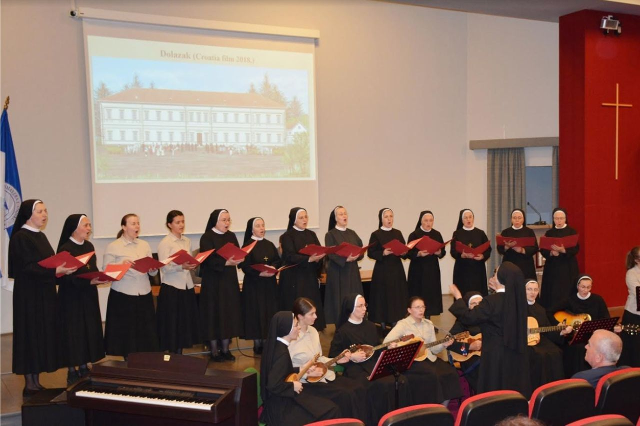 Sestre sv. Križa daju Đakovu prepoznatljiv imidž