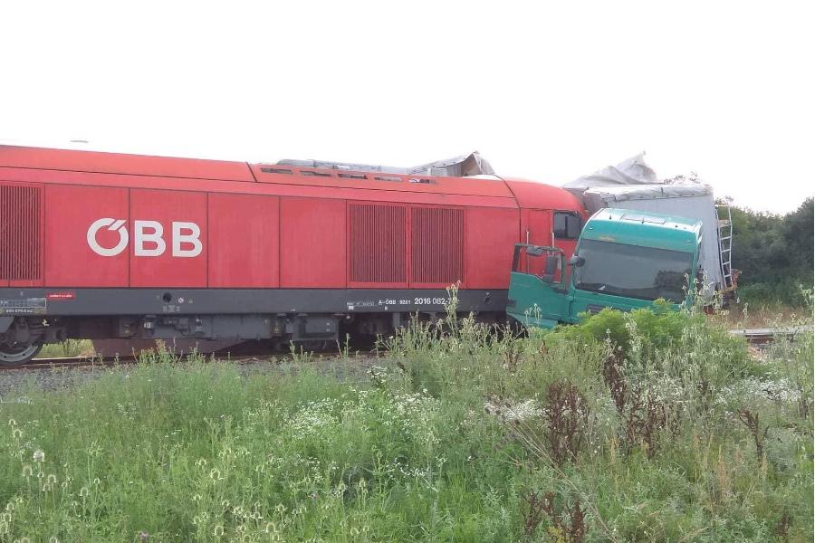 Nesreća na pružnom prijelazu ceste Budrovci – Piškorevci