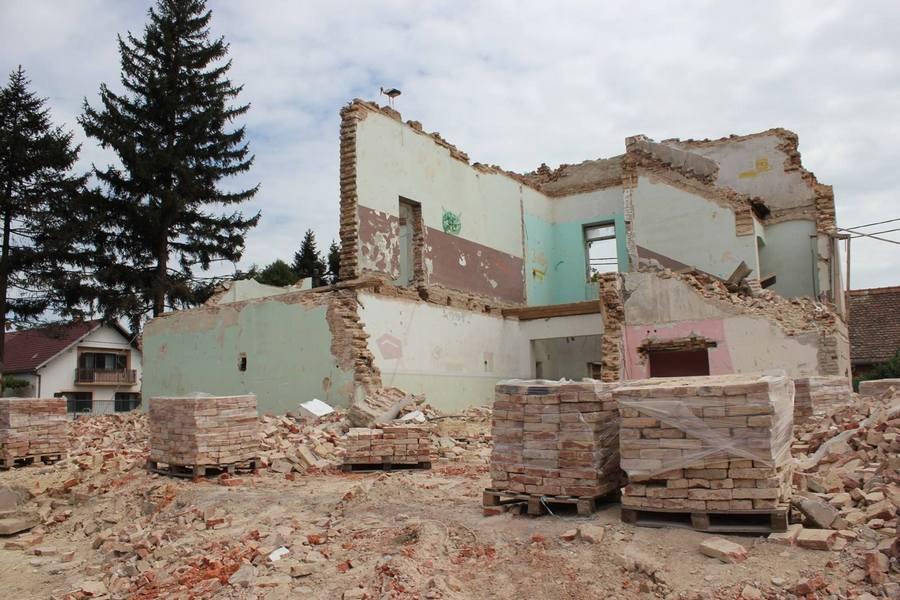 Na mjestu stare škole u Selcima bit će Društveni dom i ambulanta