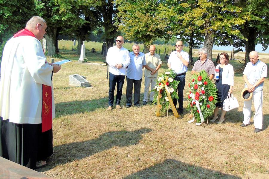 Spomen na Nijemce stradale u komunističkom logoru u Krndiji