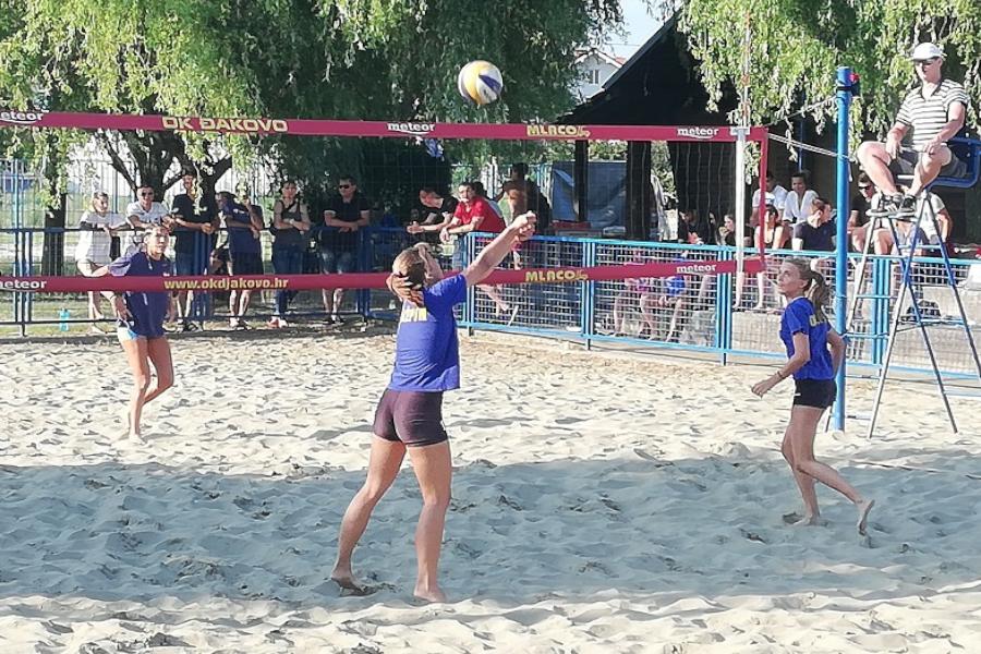 """Održan ženski turnir u odbojci na pijesku """"Đakovo volley 2018."""""""