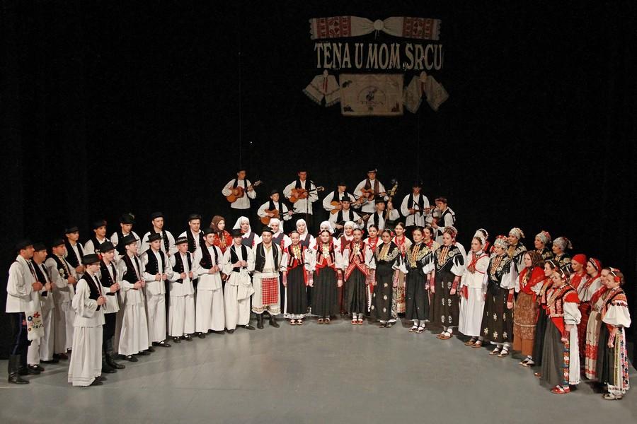 Tenine Slavonske kraljice na folklornome festivalu u Rusiji
