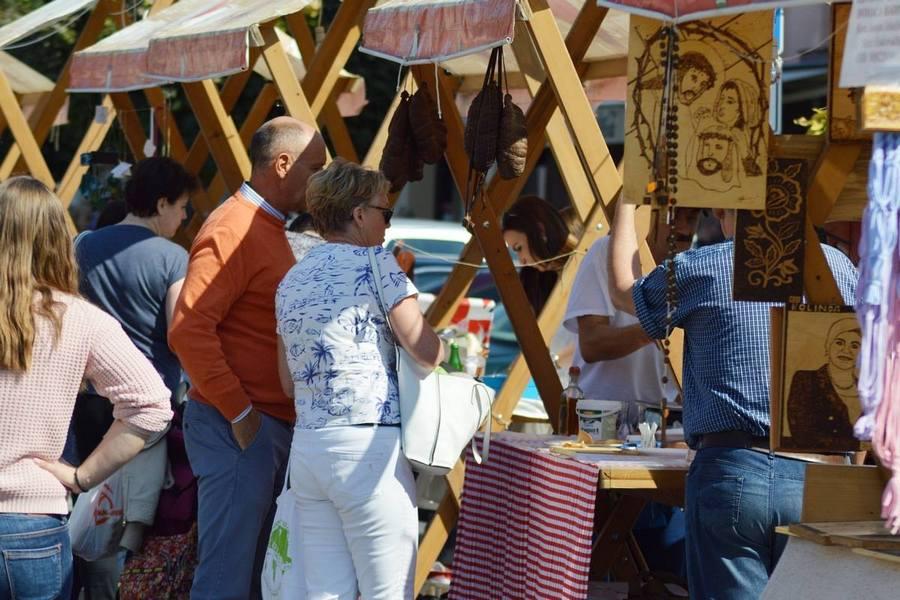 Na petom Festivalu umijeća Obruč u Jelačićevoj ulici 40 izlagača