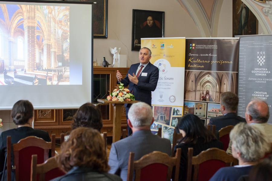 Kulturno djelovanje biskupa Josipa Jurja Strossmayera predstavljeno u Vukovaru
