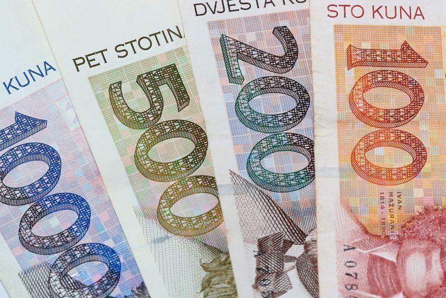 Vikar Kunčević o svećeničkim plaćama i raspodjeli novca u Crkvi