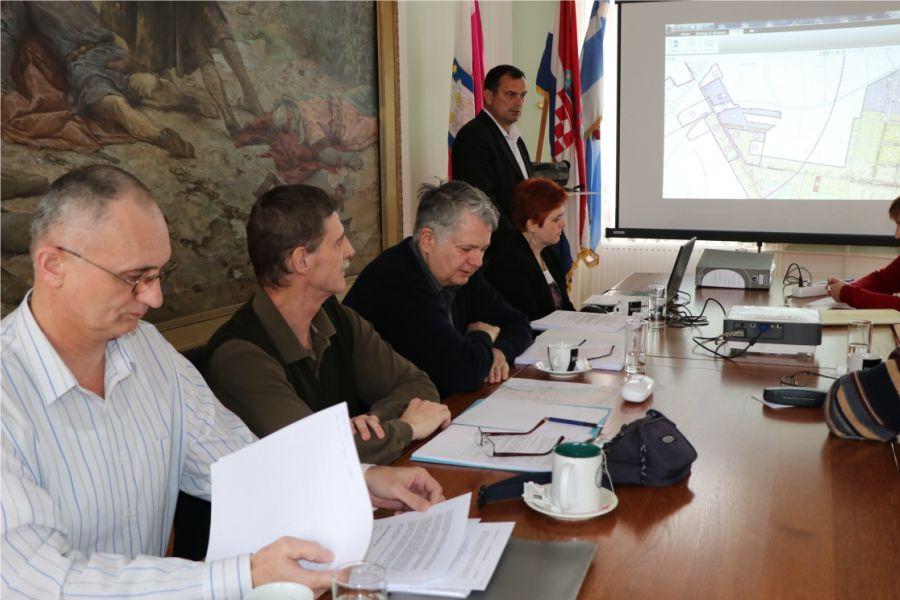 Održano javno izlaganje o II. izmjenama i dopunama GUP-a Grada Đakova