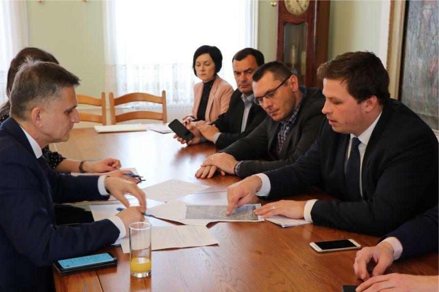 Ministar državne imovine Goran Marić na radnom sastanku u Gradu Đakovu