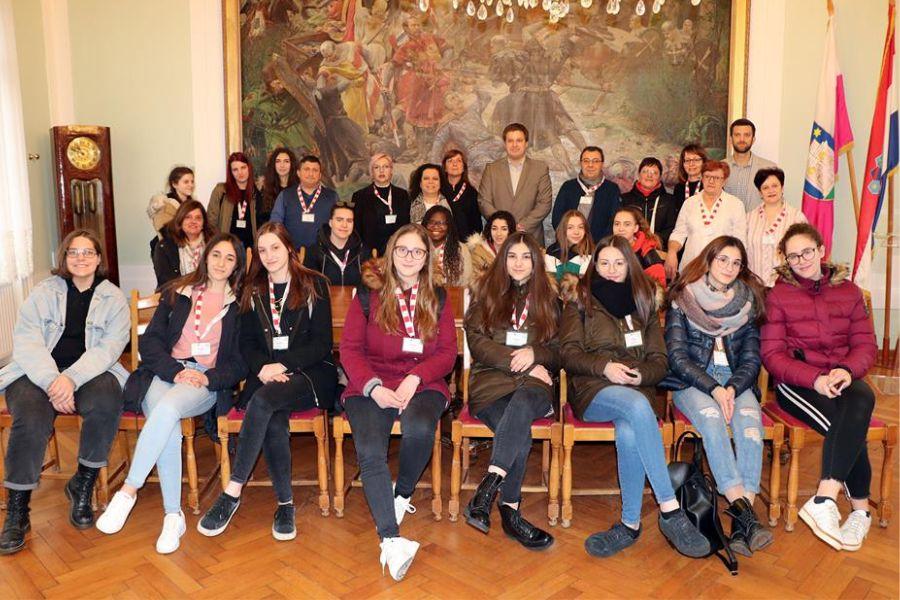 Učenici iz Italije i Portugala na prijemu kod gradonačelnika Marina Mandarića