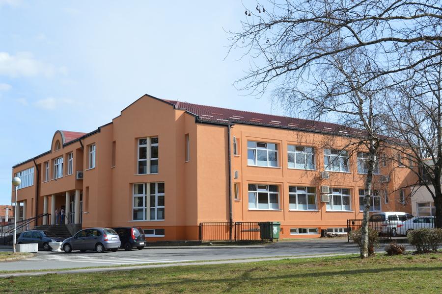 Dovršena energetska obnova Gimnazije A. G. Matoša vrijedna 2,6 milijuna kuna