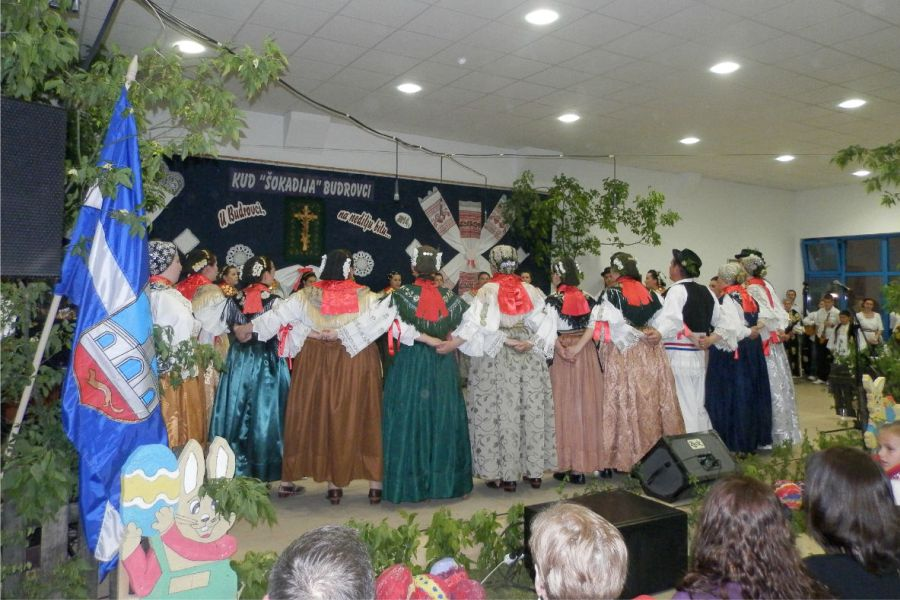"""24. folklorna manifestacija """"U Budrovci, na Nedilju bilu"""""""