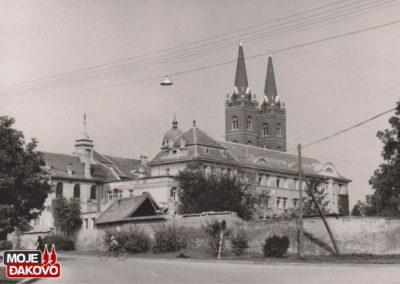 stara_slika_katedrala_djakovo_1976_izvor_muzej_djakovstine_1