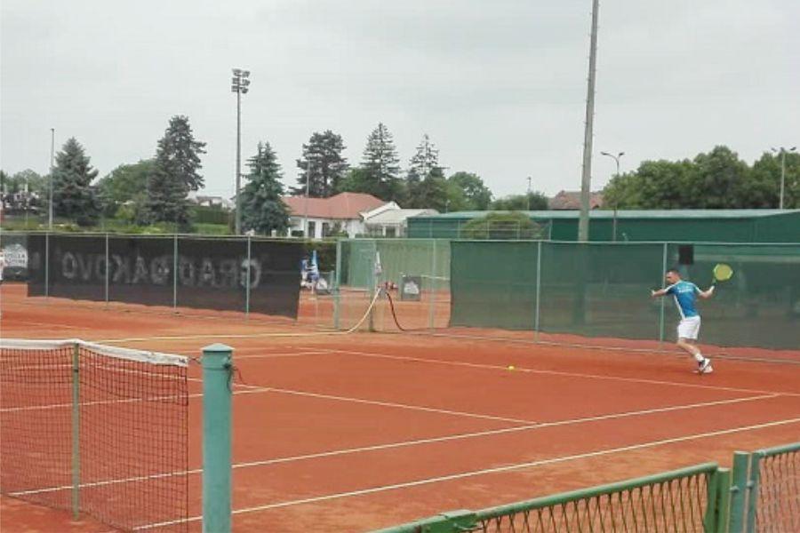 Bogat teniski vikend, Đakovo Croatia protiv Marsonije, žestoka borba za drugo mjesto u Prvoj i Drugoj županijskoj ligi, Vinogradar u Drenju potvrđuje prvo mjesto…