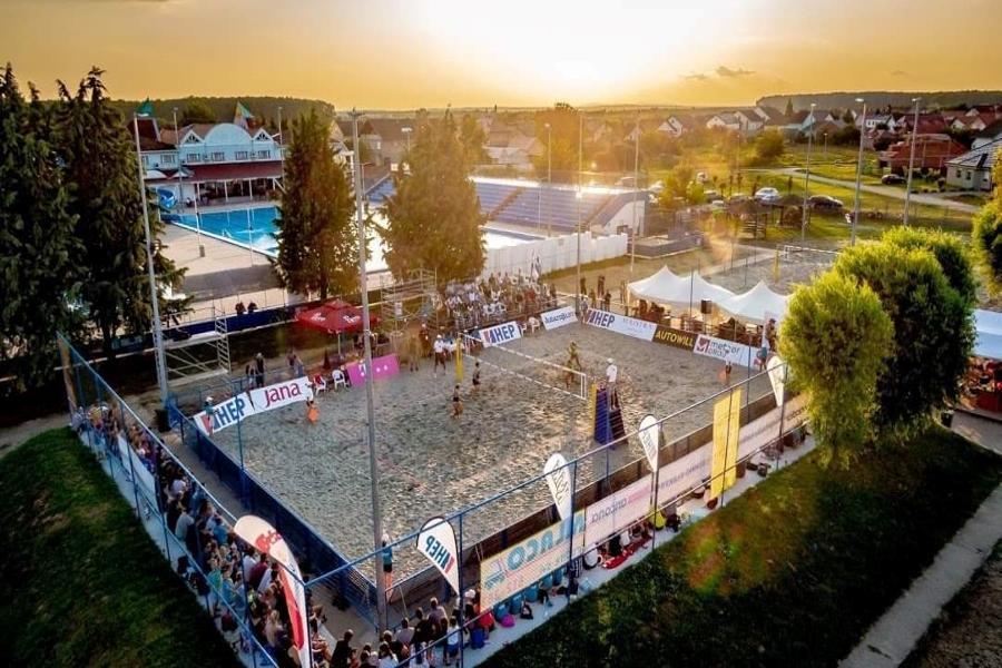 Muški turnir u odbojci na pijesku sutra na Đakovačkom bazenu