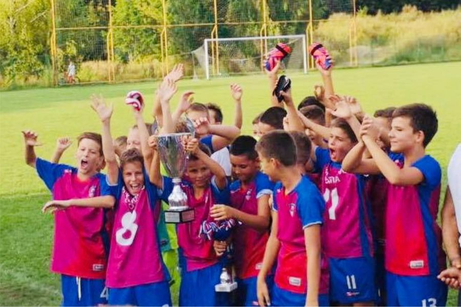 Mala škola nogometa