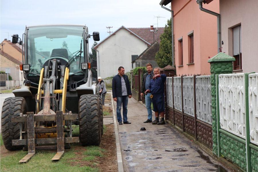 Izgradnja pješačko-biciklističke staze i rekonstrukcija nogostupa