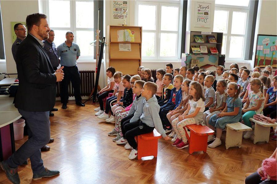 Za siguran put do škole – akcija Grada Đakova i policije