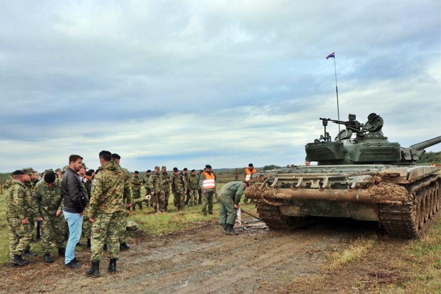 Dan oklopništva i natjecanje na vojnom poligonu Gašinci