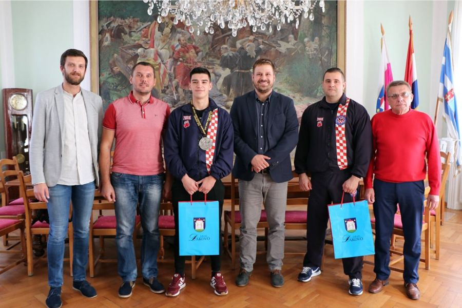 Viceprvak svijeta u K1 disciplini, Andrej Kedveš, na prijemu kod gradonačelnika