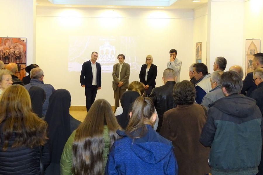 """Otvorena izložba """"Osijek na udaru brutalne agresije"""""""