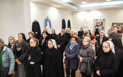"""Otvorena izložba """"Početci sestrinstva u Hrvatskoj i Đakovštini"""""""