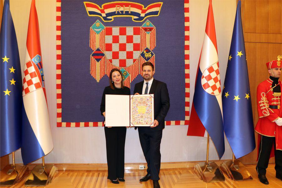 Đakovačkim vezovima dodijeljena Povelja Republike Hrvatske