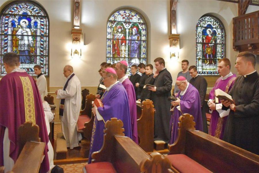 Misno slavlje uz 60. obljetnicu svećeničkog ređenja mons. dr. Marina Srakića