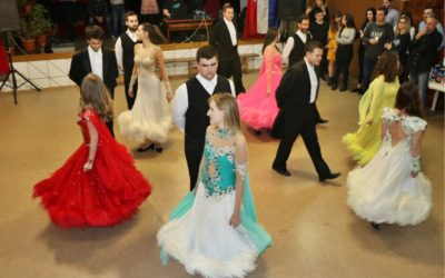 Tridesetak polaznika uspješno završilo plesni tečaj