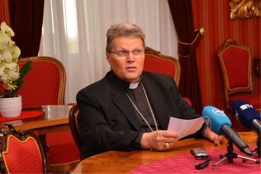 nadbiskup_hranić