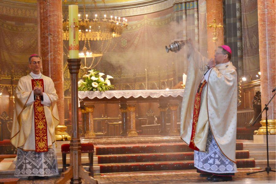 uskrs_u_đakovačkoj_katedrali_2020