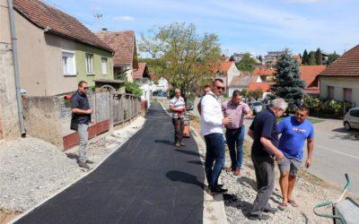 Počelo asfaltiranje pješačko-biciklističke staze u Ulici biskupa Mandića