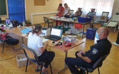 Uspješno održana akcija dobrovoljnog darivanja krvi u Policijskoj upravi osječko-baranjskoj
