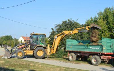 Produbljen kanal i iskrčene šikare uz poljske putove
