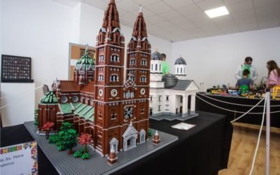Katedrala od 15.000 kockica zvijezda Lego izložbe u Đakovu