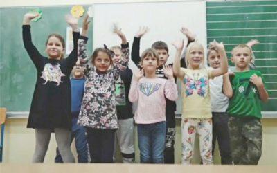 Mališani iz Ćolnićeve obilježili Dan gluhih i nagluhih osoba