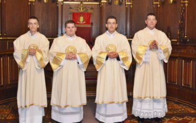 Zaređena četvorica novih đakona