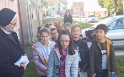 Učenici Ćolnićeve škole prikupljali potrepštine za Socijalnu samoposlugu u Đakovu