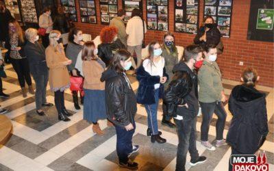 "[FOTOGALERIJA] Predstava ""Njuške"", gostovanje Teatra EXIT"