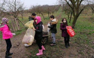 Učenici iz Đurđanaca obradovali pse Udruge za zaštitu životinja Đakovo