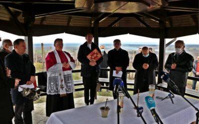 U Trnavi blagoslovljeni nadbiskupijski vinogradi i mlado vino