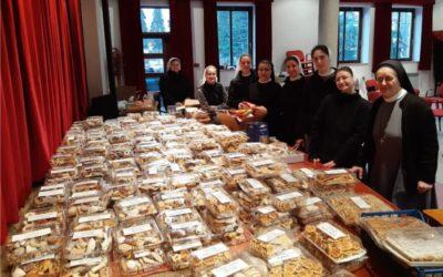 Prvo razvozile kolače, a zatim razvrstavale robu u Caritasu