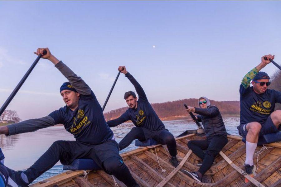 Đakovački lađari, Foto: Jezero Borovik