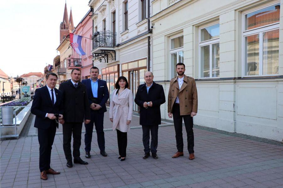 Saborski zastupnici i ministrica, Foto: Grad Đakovo