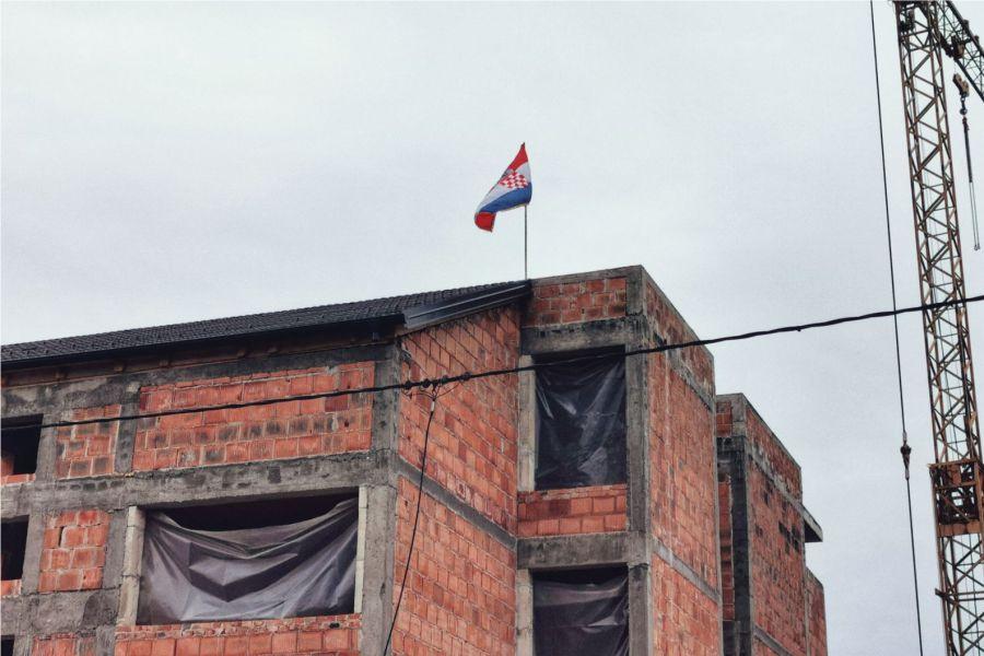Zgrada sa zastavom, Foto: Osijek.in