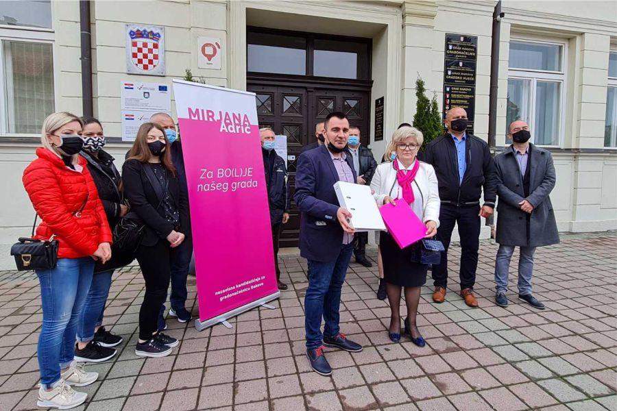 Mirjana Adrić predaja liste_Foto_Moje Đakovo
