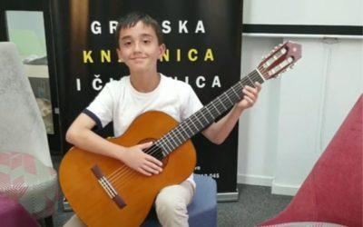 Poslušajte Javni sat učenika gitare u klasi učitelja Tomislava Klasana