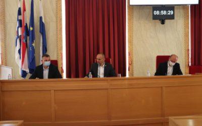 Župan Anušić održao radni sastanak s pročelnicima i ravnateljima županijskih agencija