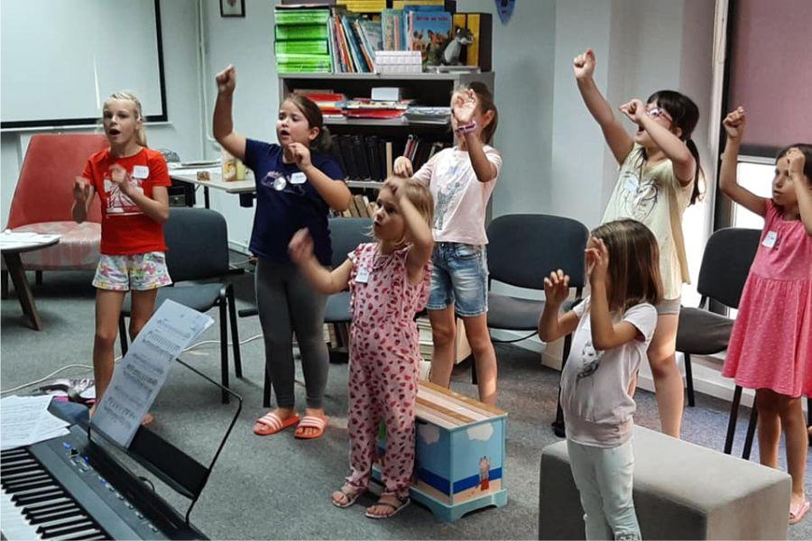 Mala škola pjevanja_Foto_Gradska knjižnica i čitaonica Đakovo