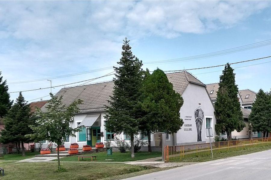 OŠ Budrovci_Foto_Wiki